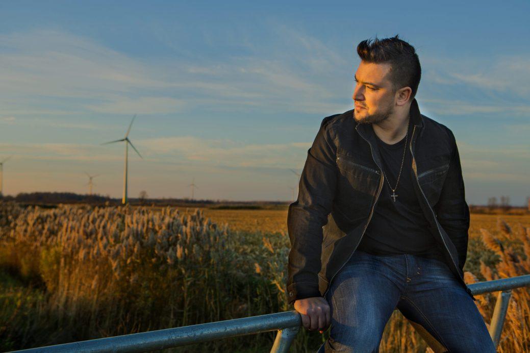 Maxime McGraw est aujourd'hui l'un des chanteurs acadiens les plus populaires dans la francophonie canadienne. - Archives