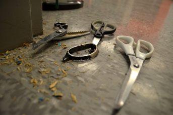 Les suspects du vol par effraction auraient utilisé des ciseaux afin de forcer la porte des bureaux administratifs de la banque alimentaire de Moncton. - Acadie Nouvelle: Jean-Marc Doiron
