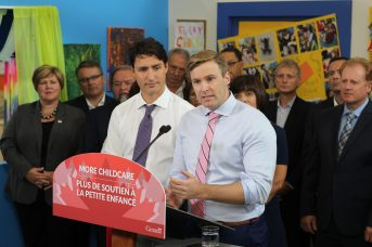 Les deux premiers ministres ont annoncé mercredi une entente de 71 millions $. - Acadie Nouvelle: Simon Delattre