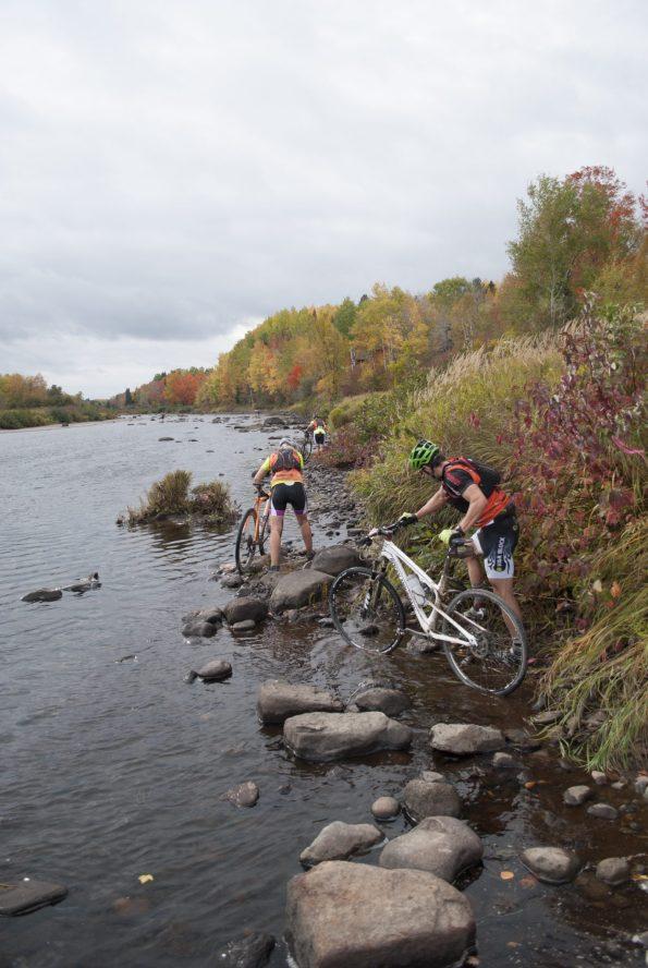 Certains sentiers n'étaient pas fait pour une randonnée du dimanche en vélo! - Gracieuseté