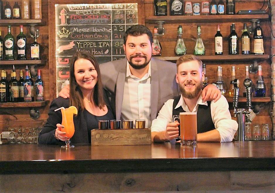 Les propriétaires du bar Au Bootlegger : Katherine Lanteigne, Michael Petrovici et Éric Boudreau. - Gracieuseté