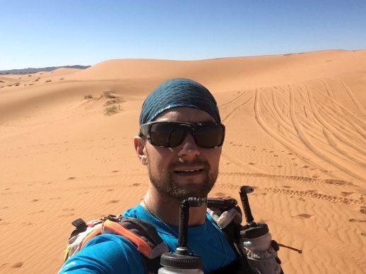 «Le désert est une incroyable beauté, mais il est aussi capable d'une grande cruauté. Pendant la course, pour m'encourager, je me répétais souvent: ''Si tu croises l'enfer, continue''», a déclaré en riant Mathieu McCaie. - Gracieuseté
