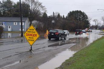 La circulation est sévèrement perturbée à Fredericton. - Acadie Nouvelle: Mathieu Roy-Comeau