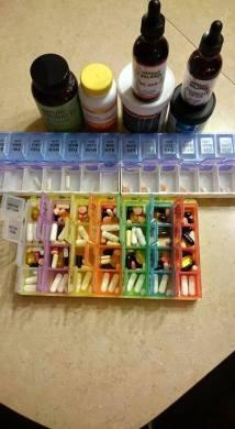 Les médicaments pris par Mylène Chiasson pendant son traitement pour la maladie de Lyme. - Gracieuseté