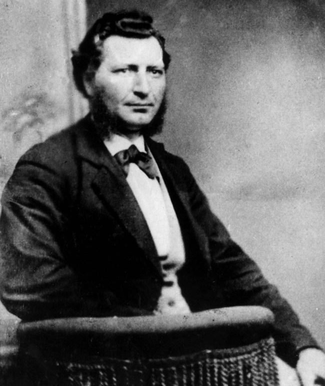 Louis Riel en 1876. - Archives