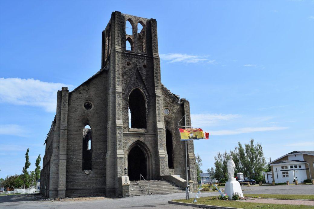 Les ruines de l'église de Bas-Caraquet. - Acadie Nouvelle: David Caron