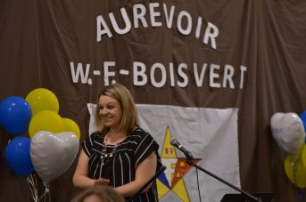 Jessica Doucet, directrice des deux écoles de Rogersville, a livré un discours d'adieu, 48 ans, jour pour jour, après le discours de fermeture de W.-F.-Boisvert. - Acadie Nouvelle: Jean-Marc Doiron