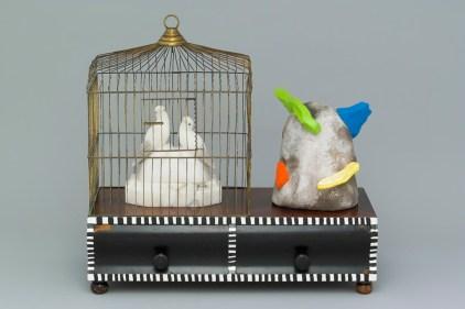 Une oeuvre de Léopold L. Foulem, Panorama 8317 aux oiseaux en cage. - Gracieuseté: Richard Millette
