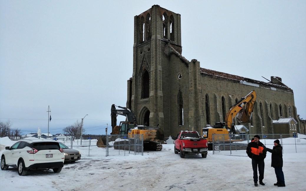L'église Saint-Paul, quelques heures avant la démolition. -Acadie Nouvelle: Guillaume Cyr
