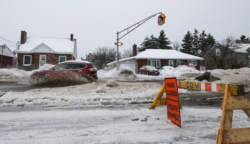 Le cocktail de précipitations reçu dans le Grand Moncton a entraîné des inondations localisées un peu partout sur le réseau routier de la région. - Acadie Nouvelle: Patrick Lacelle