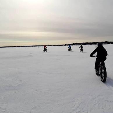 Un groupe d'amateurs de fatbike a récemment fait le tour de l'Île de Shediac lors d'une randonnée organisée par My Bike Shop. - Gracieuseté