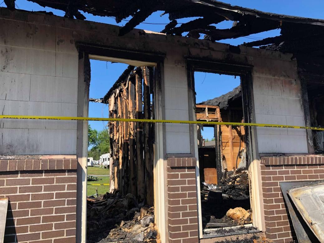 Incendie au Motel Camping Haché. - Acadie Nouvelle: Allison Roy