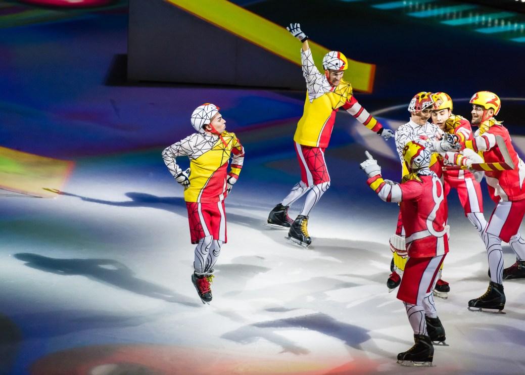 L'Acadien Shawn Sawyer fait partie des acrobates du spectacle Crystal. - Collaboration spéciale: Clayton Morrissey