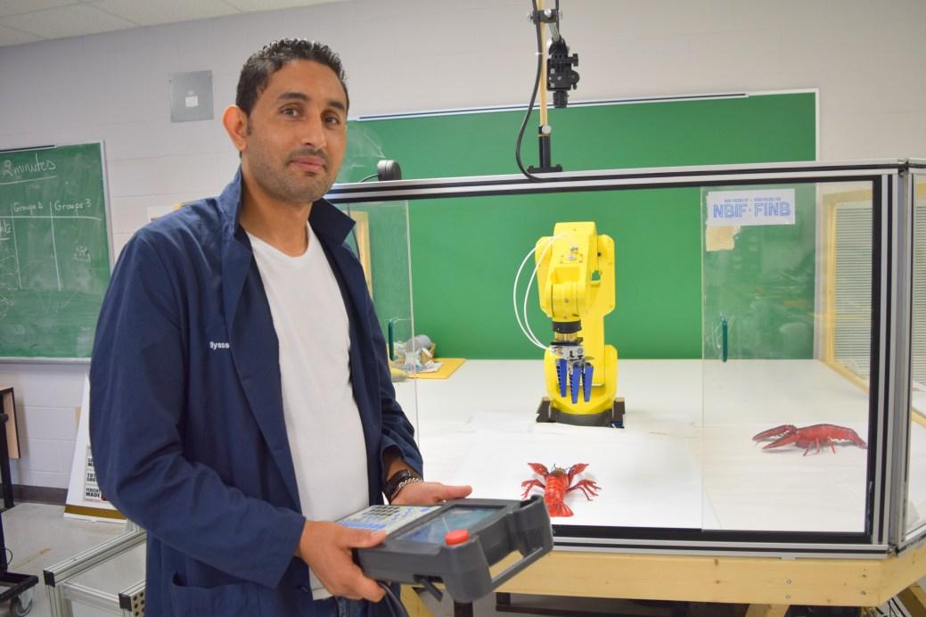Ramzi Mehrez effectue des recherches sur la vision robotique. - Acadie Nouvelle: Simon Delattre
