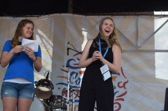 Marie-Ève Caron a exprimé sa joie en remportant la finale du concours Accros de la chanson. - Acadie Nouvelle: Sylvie Mousseau