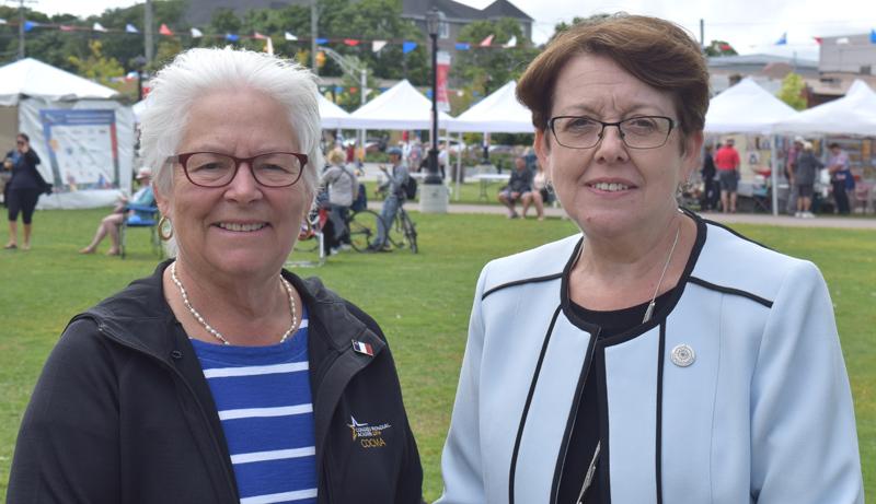 Louise Imbeault, présidente de la SNA, et Claudette Thériault, présidente du CMA 2019. - Acadie Nouvelle: Alexandre Boudreau