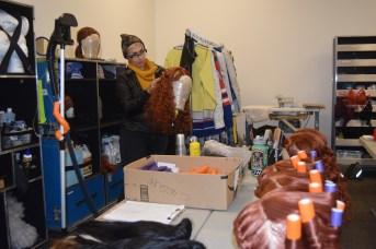 Une visite dans l'atelier de costumes du spectacle Crystal. - Acadie Nouvelle: Sylvie Mousseau