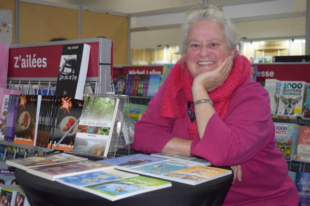 Édith Bourget est l'une des auteures invitées au Salon du livre de Dieppe. - Acadie Nouvelle: Sylvie Mousseau