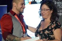 Frank Williams (à gauche) a reçu le Prix RADARTS-Réseau Ontario à la FrancoFête. Acadie Nouvelle: Sylvie Mousseau