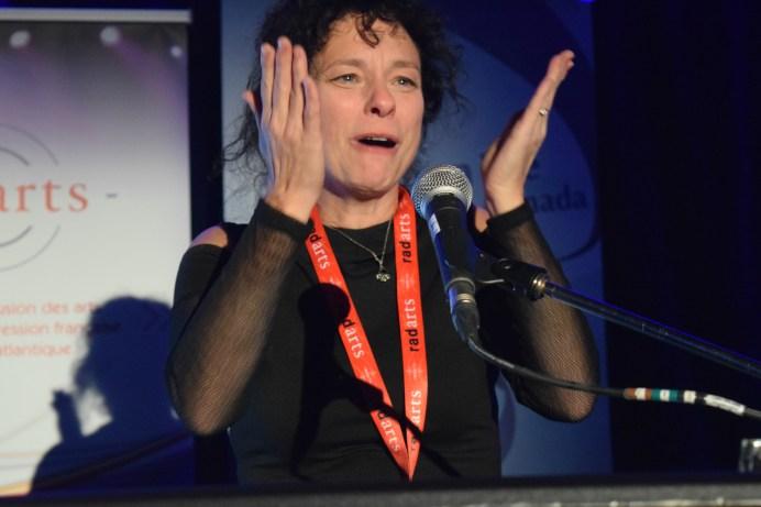 Isabelle Cyr a été très émue de recevoir deux prix à la FrancoFête en Acadie. Acadie Nouvelle: Sylvie Mousseau
