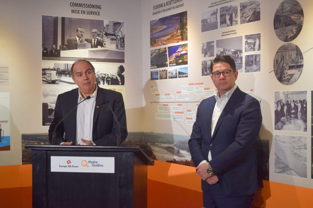 Le PDG d'Énergie NB, Gaëtan Thomas, et son homologue d'Hydro-Québec, Éric Martel. Photo: Mathieu Roy-Comeau.