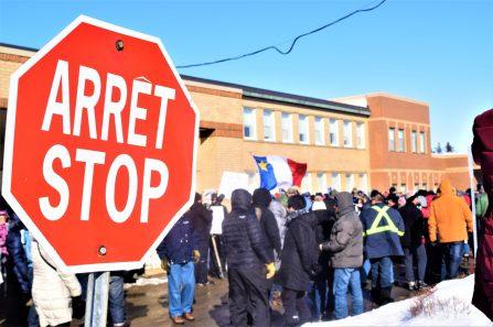 Plus de 1000 personnes ont participé à un rassemblement en soutien à l'Hôpital de l'Enfant-Jésus de Caraquet. - Acadie Nouvelle: David Caron