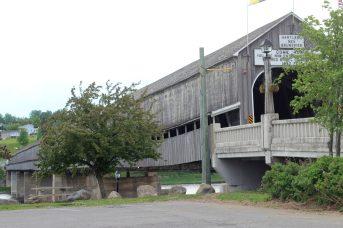L'incontournable pont couvert de Hartland. - Acadie Nouvelle: Simon Delattre