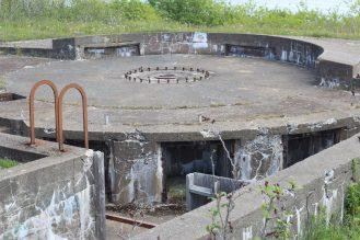 Un des postes d'artillerie construits au début de la Second Guerre mondiale. - Acadie Nouvelle: Simon Delattre