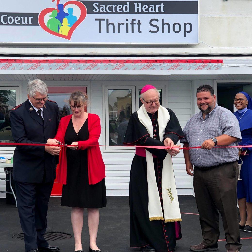 La friperie Sacré-Coeur, à Bathurst, a officiellement ouverte ses portes, mardi matin. Acadie Nouvelle : Allison Roy.