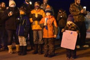7 février 2020 - Des gens se sont réunis devant l'Hôpital Stella-Maris de Kent, dimanche soir, pour une veillée à la chandelle afin de rendre hommage à Jackie Vautour. - Acadie Nouvelle: Alexandre Boudreau