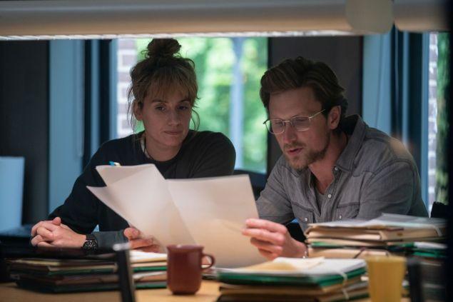 Les personnages de Naia Thulin et Mark Hess, dans une scène de la série The Chestnut Man (Netflix). - Gracieuseté