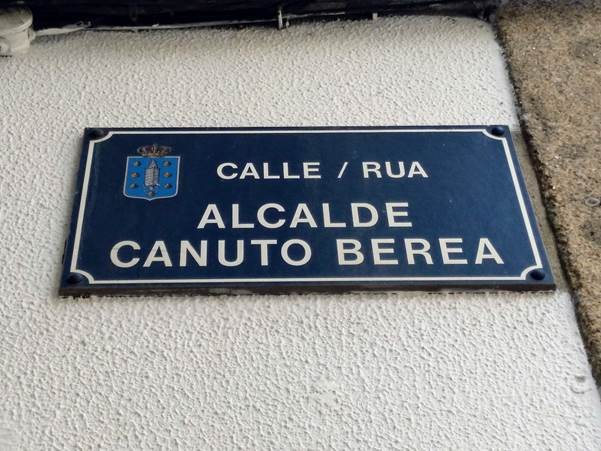 Placa da rúa Canuto Berea