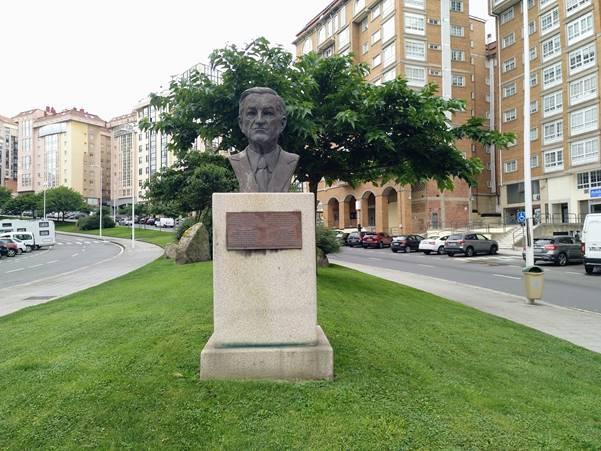 Monumento a Emilio González