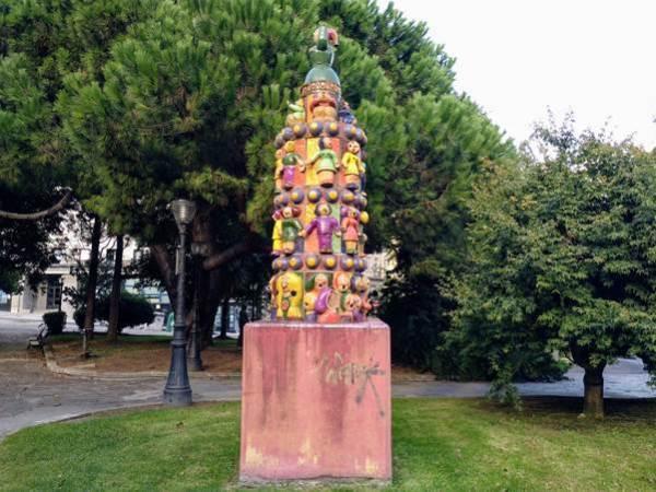 Monumento a Alexandre Bóveda