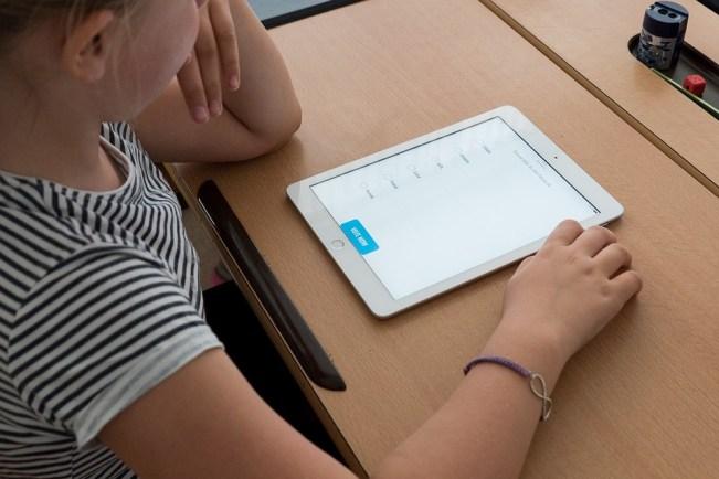 Parliamo di educazione civica digitale nelle scuole