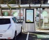 Keilas näidatakse elektriautode laadimisjaama, mis on valmistatud Eestis