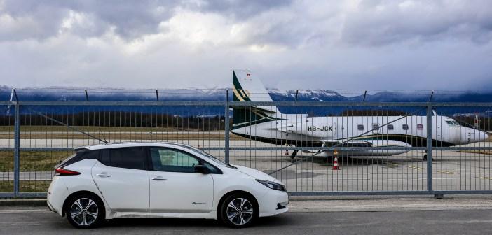 Tõde või müüt: kumb kahjustab keskkonda rohkem, kas autosõit või lendamine?