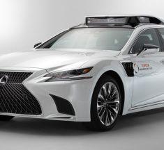 Toyota esitles uut, Lexus LS 500h baasil valminud automaatjuhtimisega testautot
