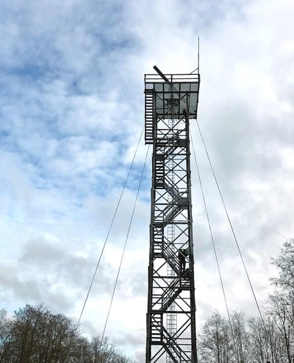 Narva jõe turvalisust jälgivad kolm uut kaameratega varustatud radaritorni