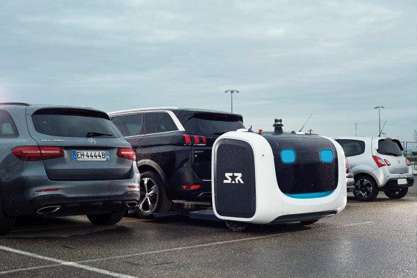 Eksperiment: Lyoni lennujaamas Prantsusmaal pargivad autosid robotid
