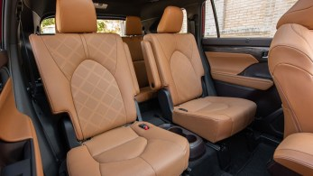 2020-Toyota-Highlander-Platinum-Hybrid-AWD-44