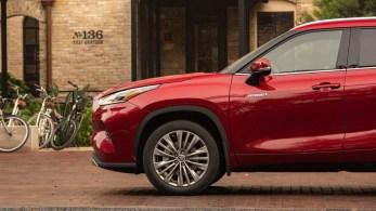 2020-Toyota-Highlander-Platinum-Hybrid-AWD-7