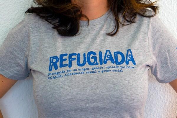Refugiada - Camiseta Gris