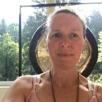 Sat Nadar provides short meditation courses for your mental health