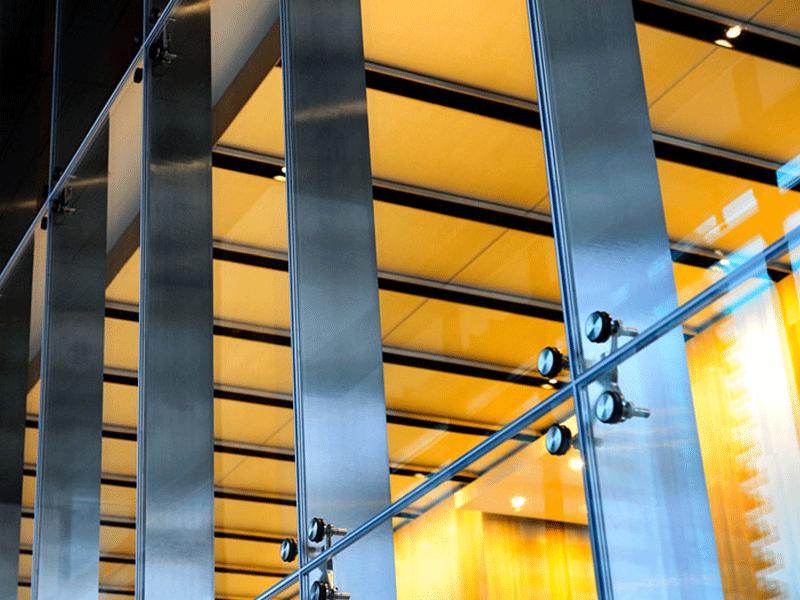 mur rideau sur mesure pour commerce