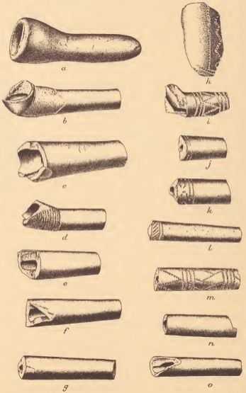 Fragments of Pamunkey earthenware pipes.
