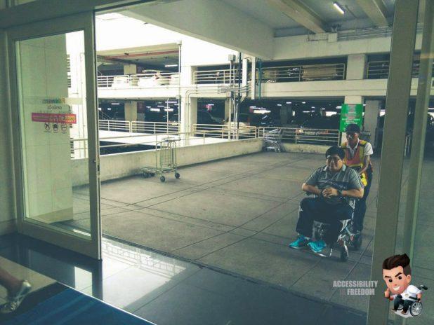 Disabled Car Parking Fashion Island-112694