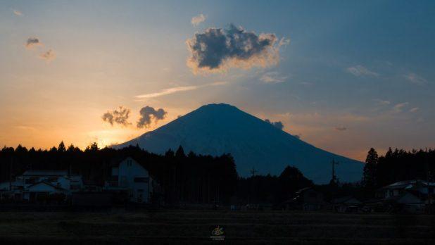 [ภาพภูเขาไฟฟูจิ ตอนเย็น]