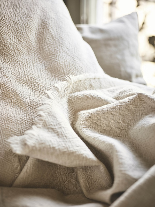 Grijze Sprei Ikea.Welcome To April At Ikea Embracing Imperfections And Make Room For