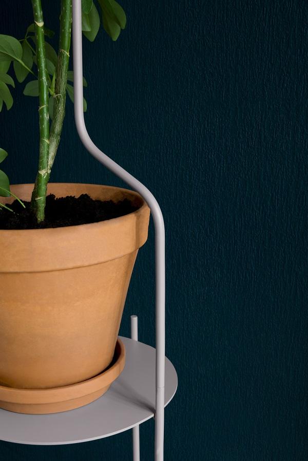 Sierlijke gebogen plantenstandaard van SUPERLIFE - via Accessorize your Home